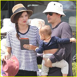 Miranda Kerr, Orlando Bloom & Flynn Visit Mapua