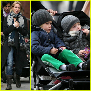 Naomi Watts: 'The Grandmothers' with Robin Wright!