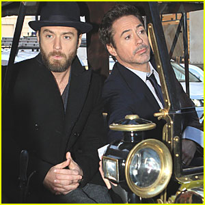 Jude Law & Robert Downey, Jr.: Carriage Ride in London!