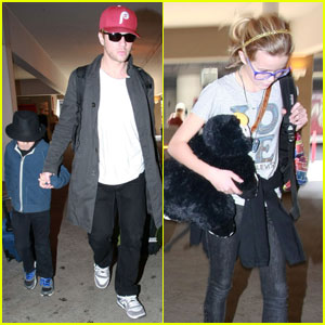 Ryan Phillippe Lands at LAX With the Kids