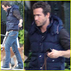 Ryan Reynolds: Dog Walking in Boston!