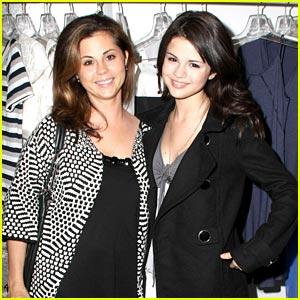 Selena Gomez's Mom Miscarries