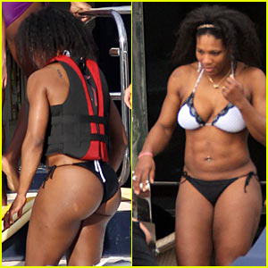 Serena Williams: Christmas Bikini Time!