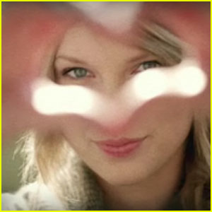 Taylor Swift: 'Ours' Video Premiere!