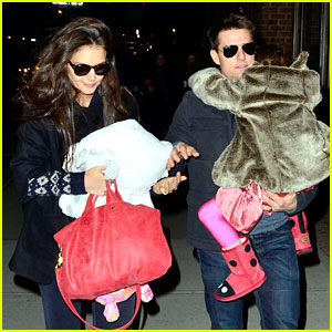 Tom Cruise &#038; Katie Holmes: Christmas Spectacular with Suri!