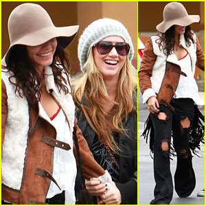 Vanessa Hudgens: Grocery Giggles with Ashley Tisdale!