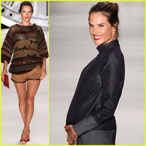 Alessandra Ambrosio: Pregnant at Colcci Fashion Show!