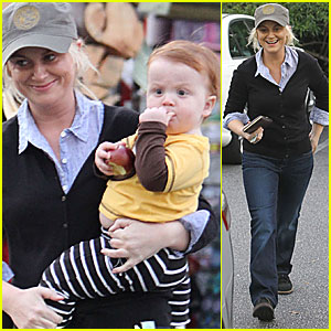 Amy Poehler & Abel Smile After Shopping