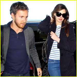 Anne Hathaway & Adam Shulman Leave Los Angeles