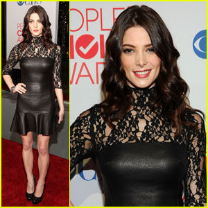 Ashley Greene - People's Choice Awards 2012 Red Carpet