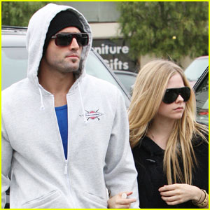 Avril Lavigne & Brody Jenner Tweet Love For Each Other