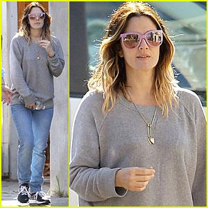 Drew Barrymore: Starbucks Stop with Chris Miller!