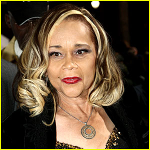 Etta James Dies at 73