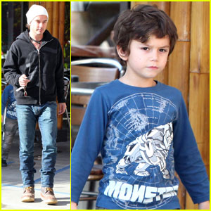 Gavin Rossdale Takes His Boys to Buddha's Belly
