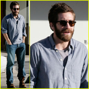 Jake Gyllenhaal Celebrates Birthday With Spinning & Steaks