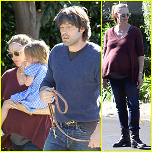 Jennifer Garner & Ben Affleck Walk with the Girls & Grandma