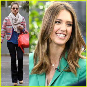 Jessica Alba: 'Extra' Interview at The Grove!
