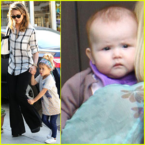 Jessica Alba: School Shopping with Honor!