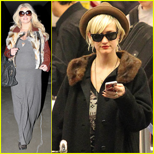 Jessica Simpson: LAX Arrival with Ashlee!