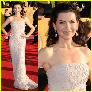 Julianna Margulies - SAG Awards 2012 Red Carpet