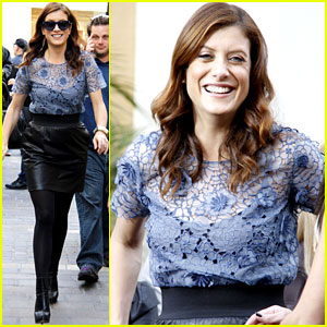Kate Walsh: 'Extra' at the Grove!