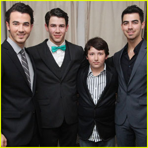 Nick Jonas: 'How to Succeed' Debut on Broadway!