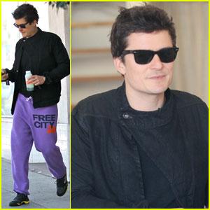 Orlando Bloom: Bright Purple Sweatpants!