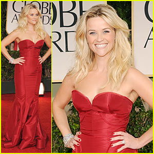 Reese Witherspoon - Golden Globes 2012 Red Carpet