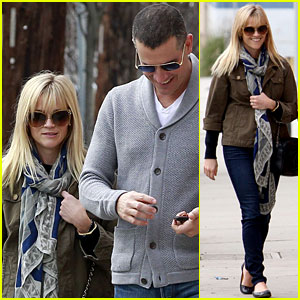 Reese Witherspoon: 'Big Eyes' with Ryan Reynolds!
