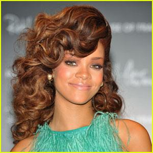 Rihanna to Produce British Fashion TV Show