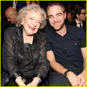 Robert Pattinson & Betty White - People's Choice Awards 2012