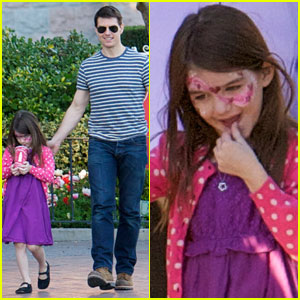 Tom Cruise & Suri: Disneyland Visit!