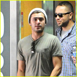 Zac Efron: Beverly Hills Meeting