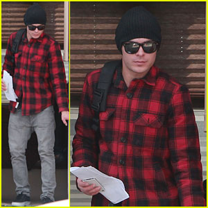 Zac Efron: 'Paperboy' Plaid!