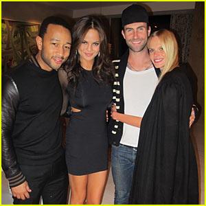 Adam Levine Surprises Anne V in Las Vegas!