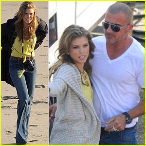 AnnaLynne McCord: Hugs for Dominic Purcell!