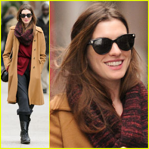 Anne Hathaway: Walking Around Town