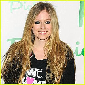 Avril Lavigne: Abbey Dawn Accessories are Just Fab!