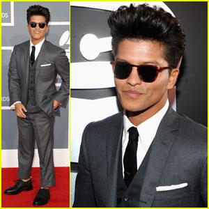 Bruno Mars - Grammys 2012 Red Carpet