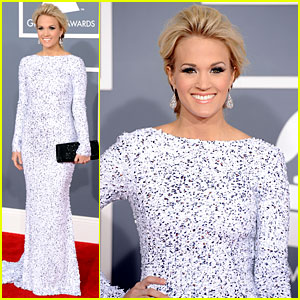 Carrie Underwood - Grammys 2012 Red Carpet