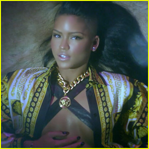 Cassie: 'King Of Hearts' Video Premiere!