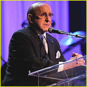 Clive Davis Remembers Whitney Houston - VIDEO