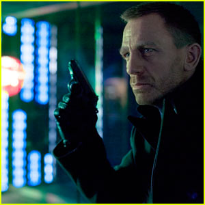 Daniel Craig: First 'Skyfall' Still!