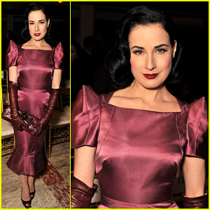 Dita Von Teese: Zac Posen Fashion Show!