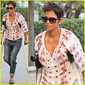 Halle Berry Searches for Rental Home