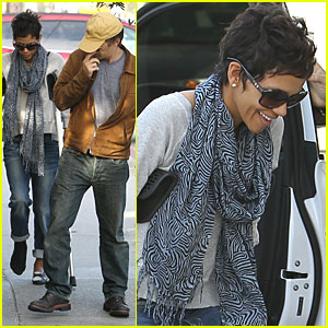 Halle Berry: Designing a Footwear Collection!