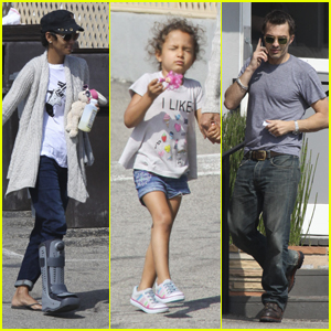 Halle Berry: Seafood Sunday with Olivier & Nahla