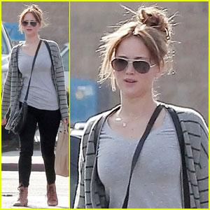 Jennifer Lawrence Is 'Remarkable' in 'Hunger Games'