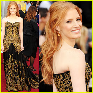 Jessica Chastain - Oscars 2012 Red Carpet