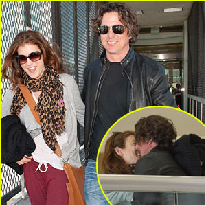 Kate Walsh & Chris Case: Kiss Kiss!